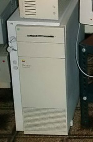 Macintosh Quadra 900 - A Macintosh Quadra 900