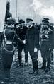 Aurel Racovitză und Präsident Masaryk 1928.png