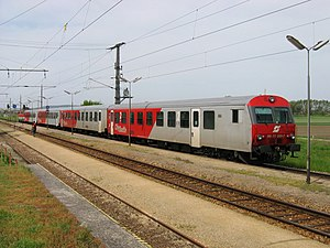 Push–pull train - Push–pull train in Austria (2004); note locomotive at the rear of the train