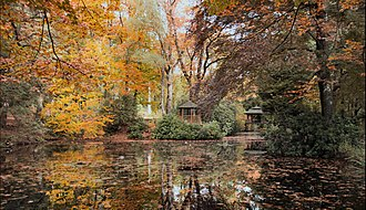 Vlodrop - Image: Autumn in Maharishis Garden (8171695143)