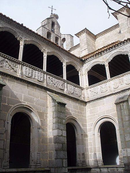 File:Avila - Real Monasterio de Santo Tomas, Claustro del ...