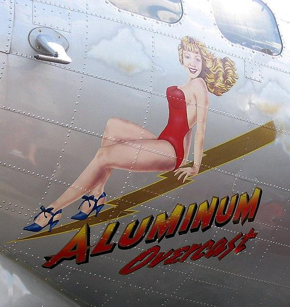 Ficheiro:B-17 Aluminum Overcast noseart-20060603.jpg