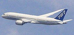 B787 flyby Farnborough.jpg
