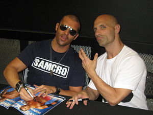 The Addiction (professional wrestling) - Kazarian and Daniels signing autographs