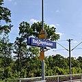 Bahnhofsschild Bad Oeynhausen 190601.jpg