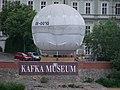 Balón u muzea Franze Kafky.jpg