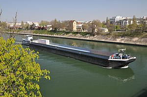 Barge Saint-Christophe on the Seine river 001.JPG