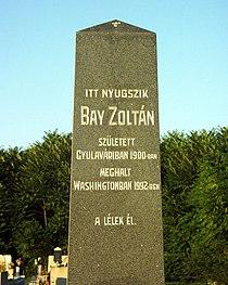 Bay Zoltán síremléke.jpg
