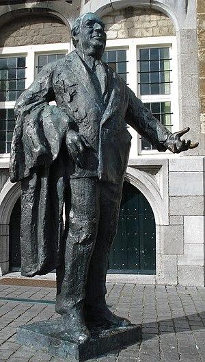 Anton van Duinkerken - Statue of Anton van Duinkerken in his birthplace Bergen op Zoom