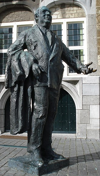 Anton van Duinkerken - Statue of Anton van Duinkerken in his birthplace Bergen op Zoom