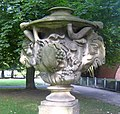 Berlin, Mitte, Köllnischer Park, Lapidarium, Sandstein-Vase.jpg