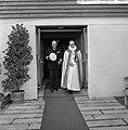 Bezoek Koning Olav van Noorwegen, Koning Olav bij het verlaten kapel op Rozenbur, Bestanddeelnr 916-8691.jpg