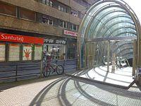 Bilbao - barrio de Santuxu, estación de Metro de Santutxu.jpg