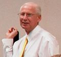 Bill Snyder Team visit to Ft Riley July 22, 2009.jpg