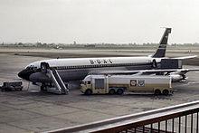 Boeing 707 окрашены BOAC на него