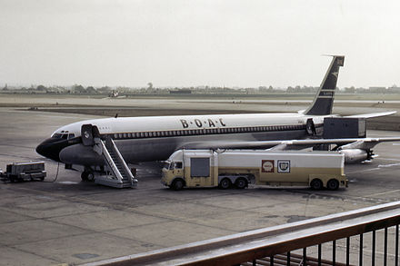 The Boeing 707 in British Overseas Airways Corporation (BOAC) livery, 1964 Boac 707 at london airport in 1964 arp.jpg
