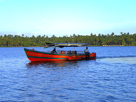 Boating at Paravur Lake near Kollam - Tourism in Kerala