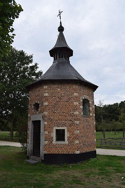 File:Bokrijk, Kapel uit Metsteren.jpg