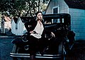 Bonnie and Clyde (1967 promo photo - Dunaway).jpg