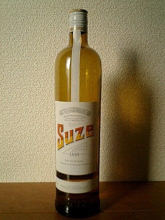 Suze (drink) - Bottle of Suze