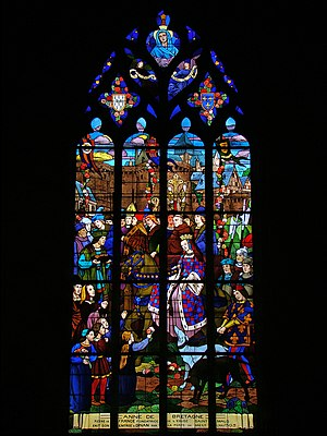 Representations of Anne of Brittany - Stained glass window depicting Anne as a duchess loved by the Bretons. Anne enters Dinan to cheering crowds.