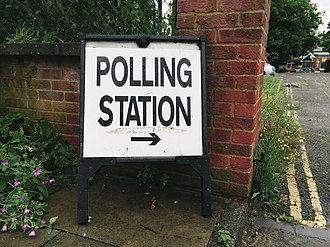 2016 United Kingdom European Union membership referendum - Sign outside a polling station in London on the morning of the referendum
