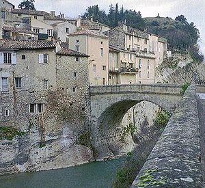 Ouvèze - Roman bridge over the Ouvèze in Vaison-la-Romaine.