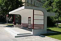 Brno, Obilní trh, tramvajová čekárna (1004).jpg
