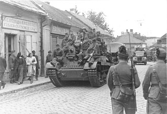 Kingdom of Hungary (1920–46) - Hungarian armor and infantry in retreat, August 1944.
