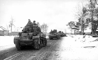German encounter of Soviet T-34 and KV tanks - The much smaller German 11 tonne Panzer 35(t)