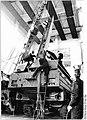 Bundesarchiv Bild 183-1990-0315-028, Demen, Verschrottung von SS-23 Start-und Ladefahrzeugen.jpg