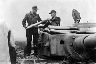 Tiger I - Loading ammunition