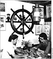 """Bundesarchiv Bild 183-S0720-0302, Berlin, Gaststätte """"Marinehaus"""", Schankraum.jpg"""