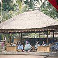 COLLECTIE tropenmuseum Gamelanorkest Tijdens de Begeleiding van een barong dansvoorstelling TMnr 20018471.jpg
