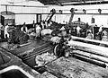 COLLECTIE TROPENMUSEUM Kalkwerkplaats in de lederfabriek Wonotjolo Soerabaja TMnr 10014338.jpg