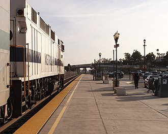 Camarillo station - The platform in 2014, looking southwest at Lewis Road