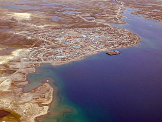 Cambridge Bay - Aerial view of Cambridge Bay looking north, 1999