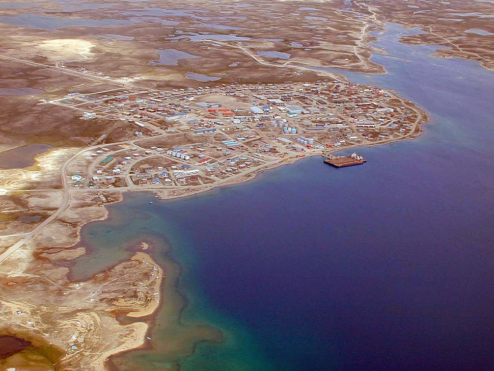 Aerial view of Cambridge Bay looking north, 1999