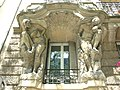 Caryatids-rue d'Alesia, 20.jpg