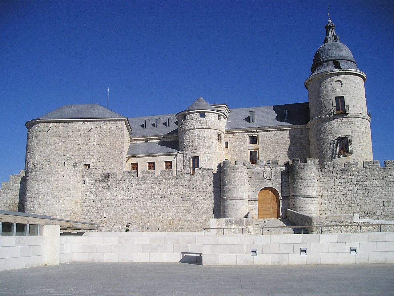 Castillo de Simancas.jpg