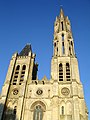 Cathedrale de Senlis - Facade occidentale 01.jpg