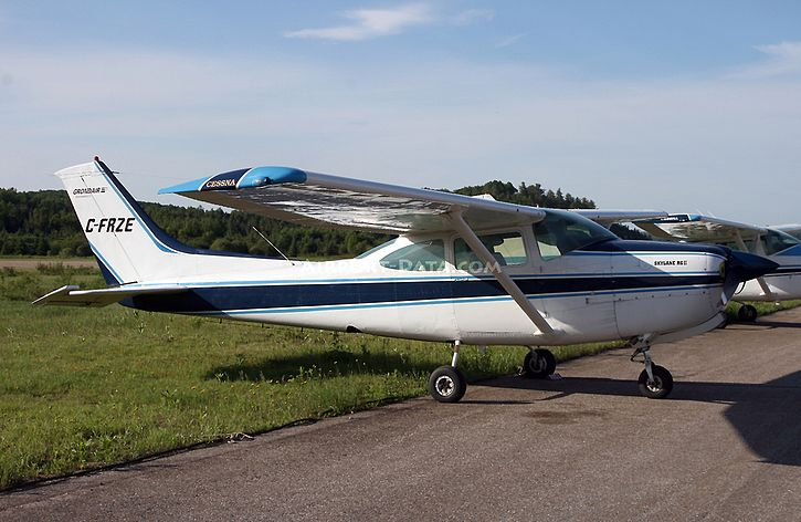 Cessna 182 C-FRZE Photo by Nick Dean.jpg