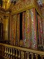Château de Versailles, la chambre du Roi.jpg