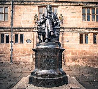 Shrewsbury Library - Image: Charles Darwin Statue Shrewsbury