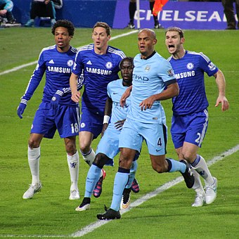 Kompany playing for City against Chelsea, 2015 Chelsea 1 Man City 1 (16228228237).jpg