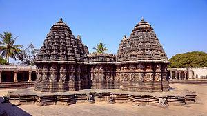Chennakesava Temple, Somanathapura - The platform around the temple serves as the circumambulation passage.