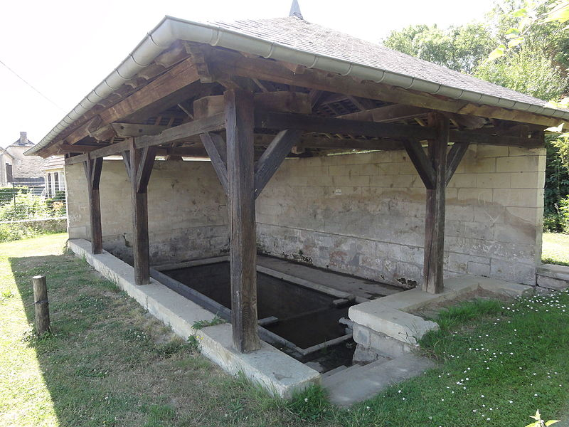 Colligis-Crandelain (Aisne) lavoir de Colligis