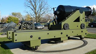 Coastal artillery - 50-pounder Model 1811 Columbiad (7.25 inch or 184 mm bore) and center-pivot mounting designed by George Bomford as an experimental coastal defense gun. This gun was built in 1811 as a component of the Second System of US fortifications.