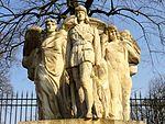 Compiègne (60), monument pour G. Guynemer, rue St-Lazare - bd Victor-Hugo 3.jpg