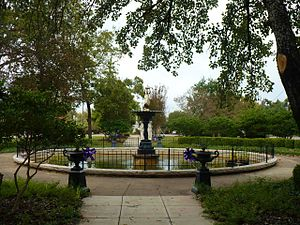 Demopolis Town Square - The fountain in the center of the park in 2010.